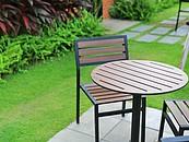 Meble ogrodowe – z jakiego materiału powinny być wykonane? zdj. 1