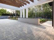 Idealna nawierzchnia wokół domu. Zadbaj o kostkę i płyty z betonu! zdj. 2
